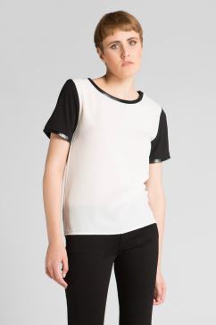 minkpink-down-but-not-out-tee-siyah-beyaz