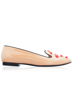 markus-lupfer-camel-patent-leather-red-lips-flats-deve-tuyu-kirmizi