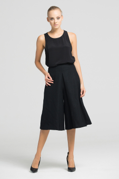 muller-of-yoshiokubo-black-woven-flare-culotte-pants-black